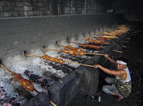 تهیه غذا برای جشن های آخر سال – فیلیپین