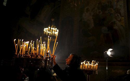 جشن کریسمس در کلیسای جامع شهر صوفیه بلغارستان