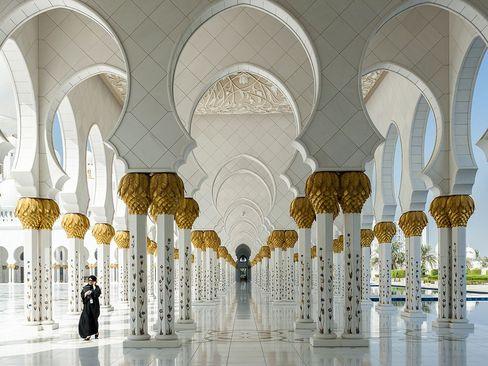 نمایی از مسجد شیخ زاید در ابوظبی امارات