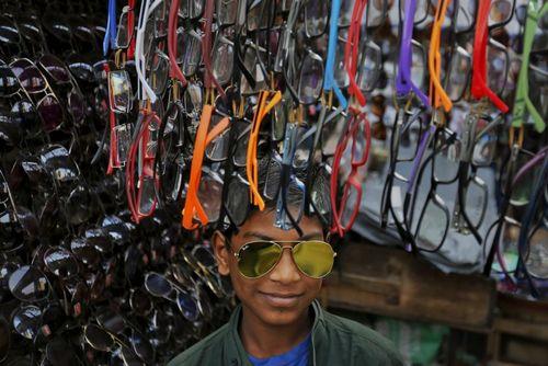 دکه عینک فروشی – شهر داکا بنگلادش