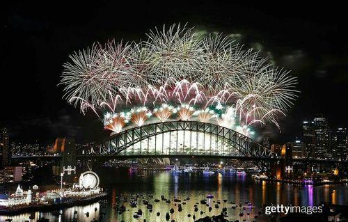 جشن های ورود به سال 2016 در ساحل شهر سیدنی استرالیا