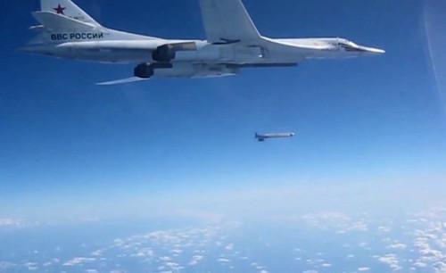 ورود جنگنده های ارتش روسیه به آسمان سوریه و بمباران مواضع داعش وگروه های مسلح