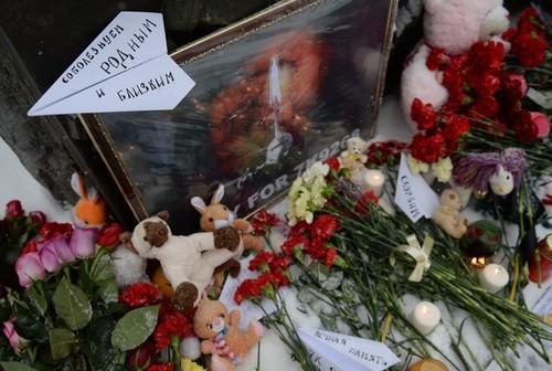 سقوط هواپیما مسافربری روسیه در صحرای سینای مصر به دلیل بمب گذاری در هواپیما منجر به کشته شدن بیش از 200 سرنشین آن شد. این بمب گذاری توسط داعش برعهده گرفته شد.