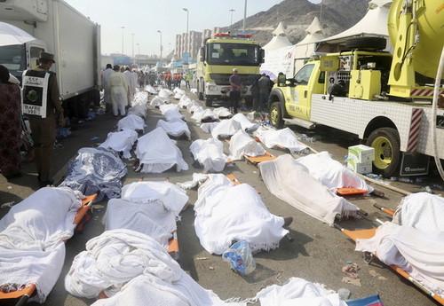 کشته شدن چند هزار انسان به دلیل ازدحام در مراسم حج در منا - مکه