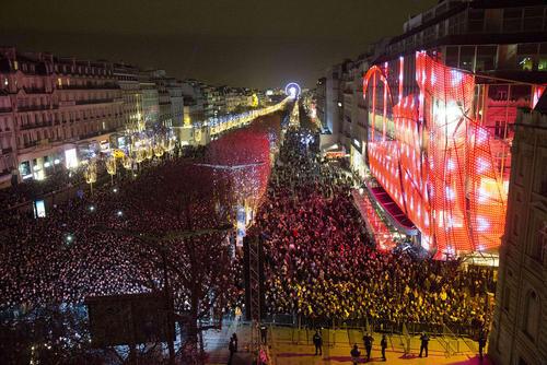 جشن ورود به سال 2016 - پاریس، فرانسه