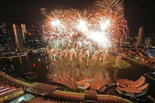 جشن ورود به سال 2016 - خلیج مارینا در سنگاپور