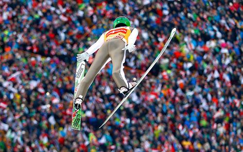 مسابقات بین المللی اسکی پرش – اتریش