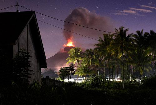 فعالیت یک آتشفشان – اندونزی