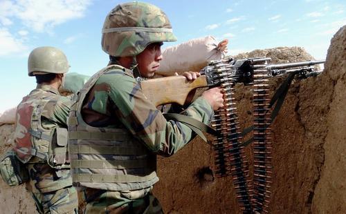 نیروهای ارتش افغانستان در حال نبرد با طالبان – استان هلمند