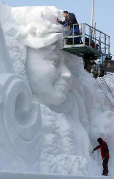 ساخت مجسمه بزرگ برفی – کره جنوبی