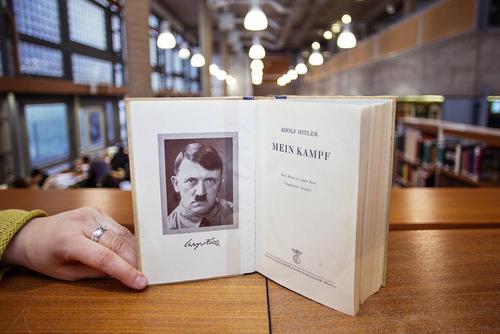برای نخستین بار پس از جنگ دوم جهانی کتابفروشی های آلمان کتاب هیتلر با عنوان