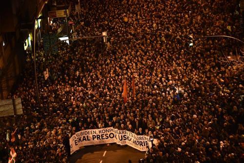 تظاهرات شبانه حامیان جنبش استقلال طلبی باسک اسپانیا