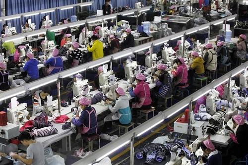 کارخانه تولید کفش در فوجیان چین