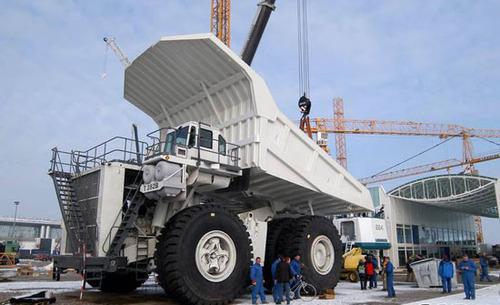 غول پیکرترین کامیون جهان (عکس)
