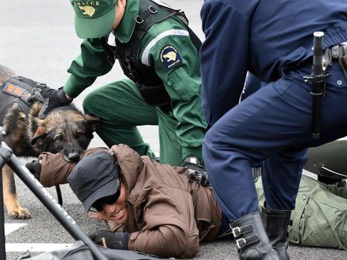 استفاده از سگ های پلیس در مانور ضد تروریستی – توکیو