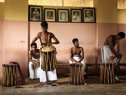 طبل زنی دانش آموزان- ایالت کرالا هندوستان