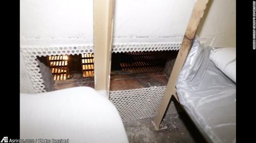 زندانیان از طریق کانالی که با یک نرده های فولادی محافظت می شد گریخته اند