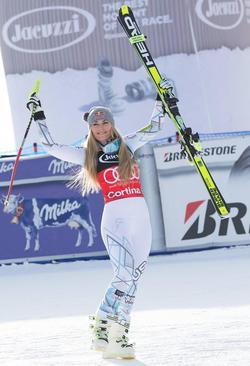 شادمانی اسکی باز آمریکایی از قهرمانی در مسابقات جهانی اسکی آلپاین – ایتالیا