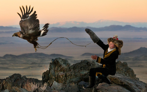 عقاب بازی کودک 13 ساله مغول