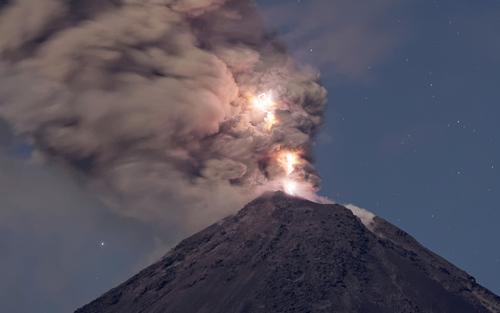 فعالیت آتشفشان کولیما در مکزیک
