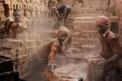 کارگاه تولید آجر در داکا بنگلادش