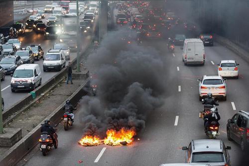 تظاهرات و اعتصاب رانندگان تاکسی در پاریس