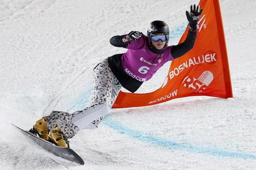 ورزشکار روسی در مسابقات جام جهانی اسنو بورد زنان در روسیه
