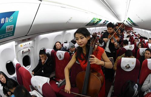 اجرای موسیقی زنده در پروازهای شرکت های هواپیمایی چینی به مناسبت سال نو چینی