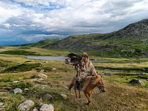شکارچی عقاب در مغولستان