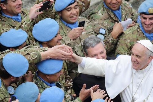 دیدار پاپ فرانسیس با صلح بانان پاراگوئه و آرژانتینی تبار سازمان ملل - واتیکان