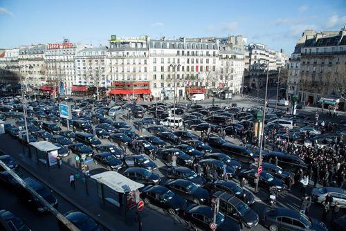 اعتصاب سراسری رانندگان تاکسی در پاریس