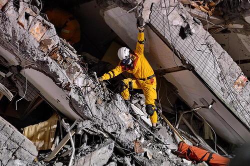 امداد رسانی به زلزله زدگان شهر تاینان در جنوب تایوان