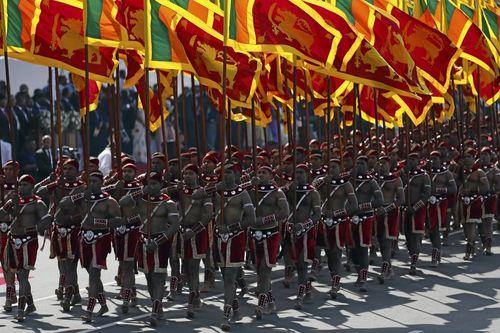 رژه شصت و هشتمین سالروز استقلال سریلانکا در شهر کلمبو