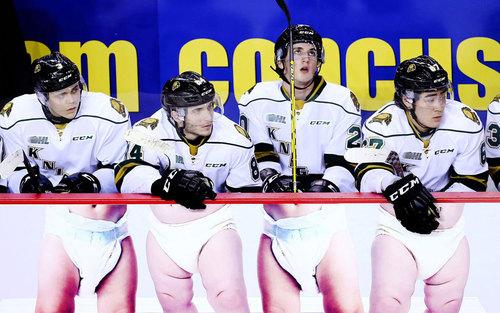 حاشیه ای جالب از مسابقات هاکی روی یخ لیگ حرفه ای کانادا در اونتاریو