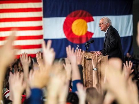 سخنرانی برنی سندرز نامزد دموکرات انتخابات ریاست جمهوری آمریکا در جمع 18 هزار نفری حامیانش در شهر دنور ایالت کلرادو