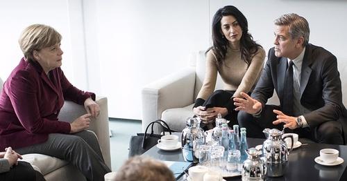 دیدار جورج کلونی هنرپیشه هالیوود با آنپلا مرکل صدر اعظم آلمان درباره بحران پناهجویان – برلین
