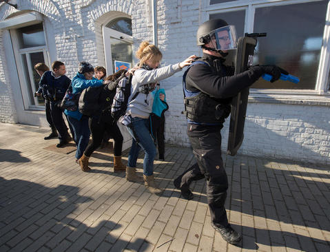 مانور مقابله با تیراندازی های دسته جمعی و حملات تروریستی – بلژیک