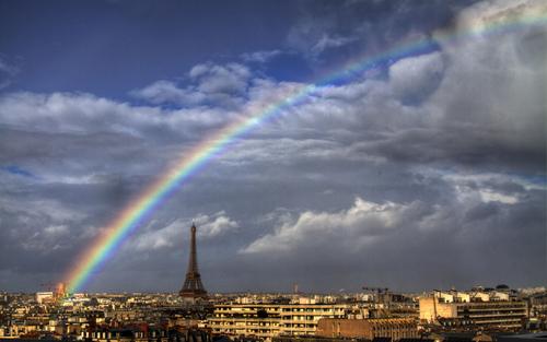 رنگین کمان در پاریس