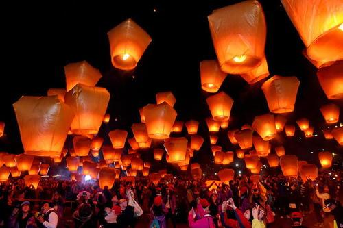 فستیوال بالن های فانوسی در چین