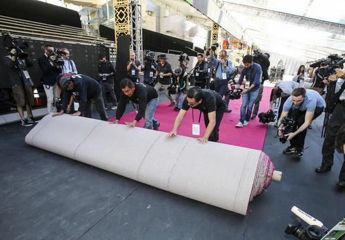 پهن کردن فرش قرمز مراسم اسکار – هالیوود لس آنجلس