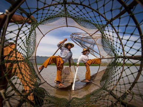ماهیگیری در دریاچه میانمار