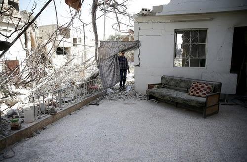 شهر دوما در حومه دمشق سوریه