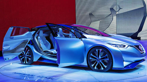 رونمایی از خودروی جدید نیسان آی دی اس در نمایشگاه خودرو در ژنو سوییس