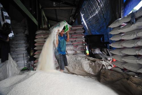 بازار برنج فروشان در جاکارتا اندونزی