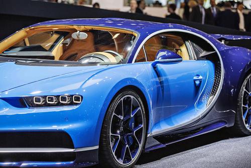 رونمایی از خودروی بوگاتی چیرون در نمایشگاه سالانه خودرو در ژنو سوییس