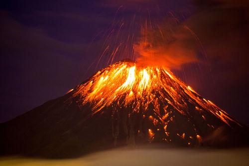 فوران کوه آتشفشان « تونگوراهوآ» در اکوادور