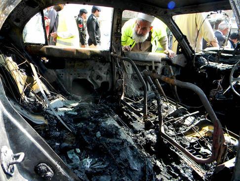 صحنه انفجار تروریستی در چارسادا پاکستان