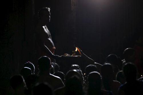 جشنواره ماها شیواراتری در سریلانکا