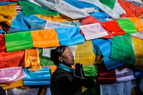 دعای یک بودایی تبتی در لهاسا