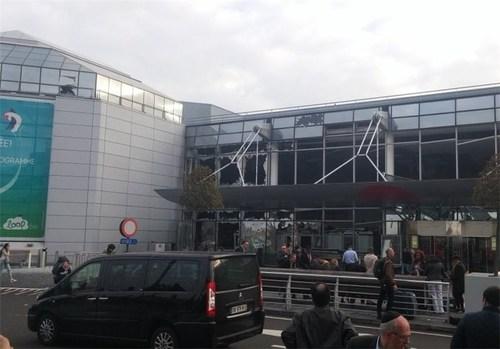 2 انفجار در فرودگاه بروکسل